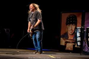 2018, Mar 31-Bret Michaels-MidAmerica Center-Winsel Photography-0952